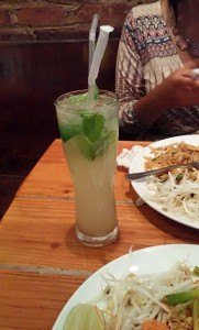 Traditional mint mojito.