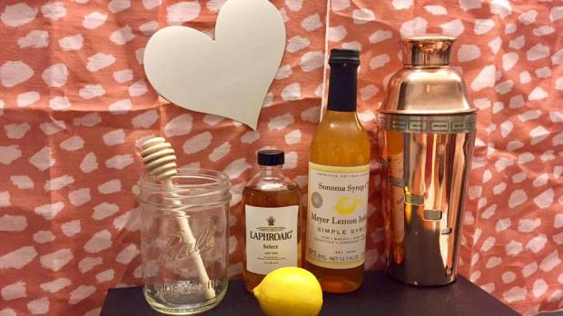 valentines-day-cocktail-recipe-whiskey-sour