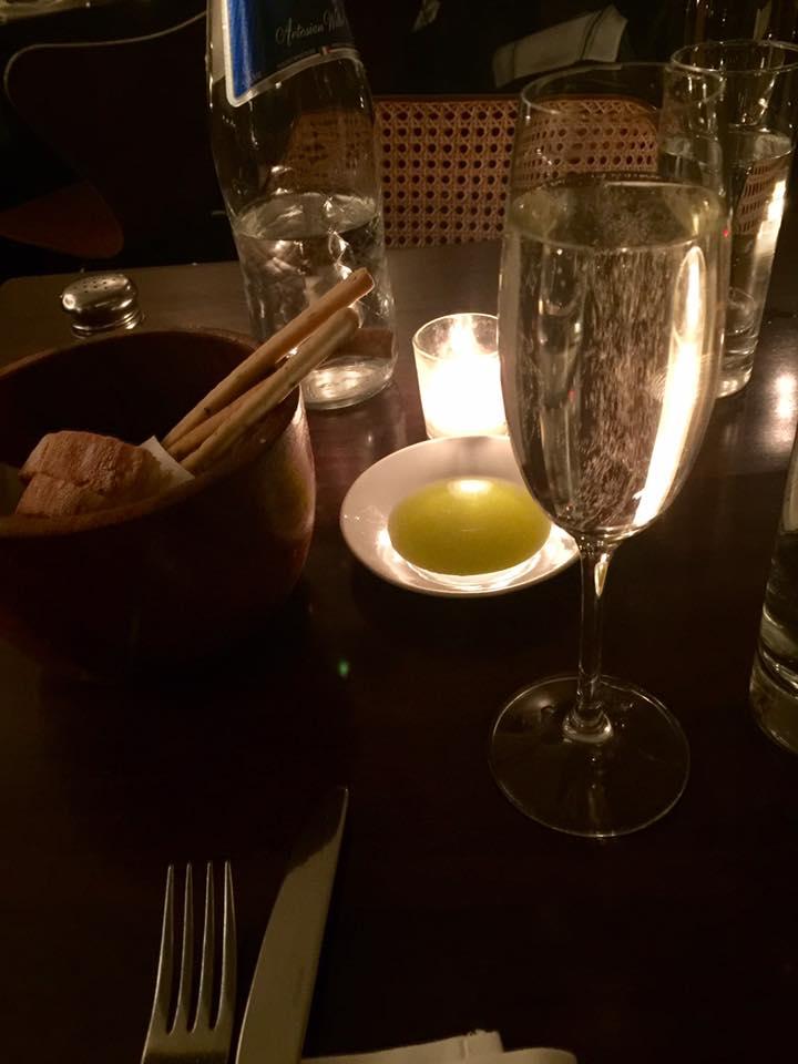 homemade-breadsticks-mozzarella-e-vino
